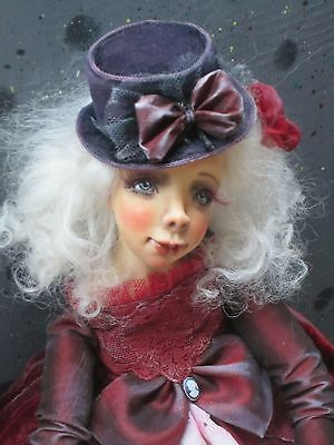 "OOaK art doll ""Lady in red"""