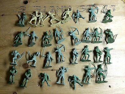 Marx Robin Hood plastic play set figures two green colour variants and cream