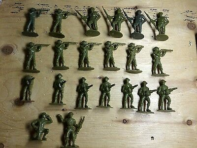 1950s Reliable Plastic Toy Soldiers Army Lot gas mask