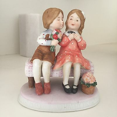 Holly Hobbie Figurine Happy Hearts with Robbie Limited Edition of 6000 Rare Mint