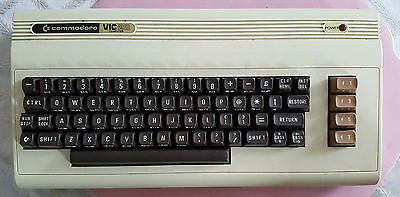 Vintage Comnmodore VIC-20 Tested & Working