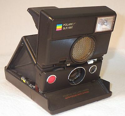 Polaroid Slr 680 Camera With  Auto Focus & Auto Strobe Looks And Works Great