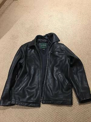 USED Authentic Danier Leather Jacket - SIZE 34 SMALL S/P