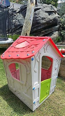 Keter Kids Cubby House Playhouse