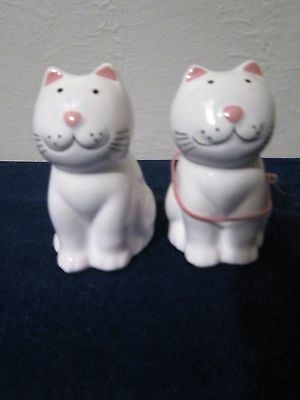 Two Cats salt and pepper shakers