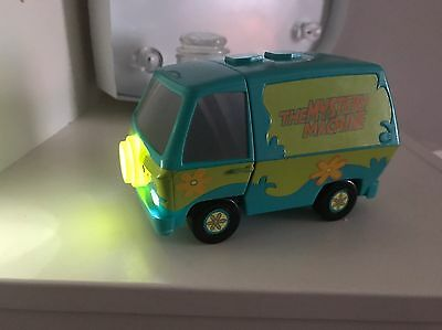 Scooby Doo Time Trap Monsters in the Dark Mystery Machine has working Torch