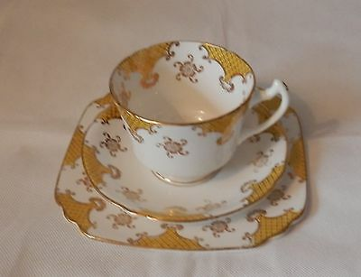 WELLINGTON CHINA Longton England J.H.C. & Co. TRIO Cup Saucer Plate