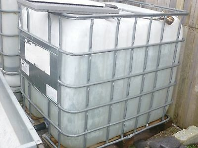 1000lt IBC Tank With Outlet Tap in excellent condition  used for water storage