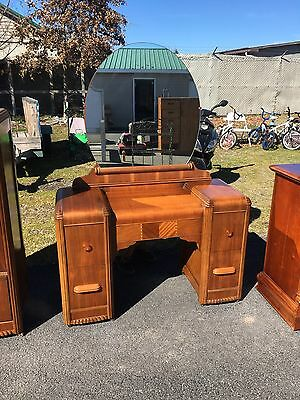 Antique Waterfall Vanity With Mirror
