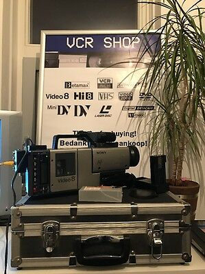 Sony Video8 CCD-V100E + Flightcase+key