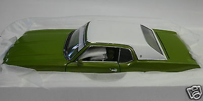 Exact Detail 1:18 1971 Oldsmobile Cutlass Supreme SX by LANE in Lime Green Met.