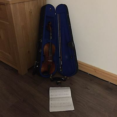 4/4 Full Size Student Violin with Wolf Shoulder Rest + music, case and bow etc