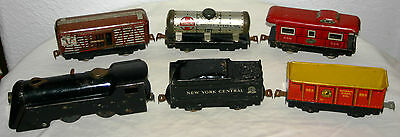 Antique Vintage Marx Wind Up Metal O Scale Train With Engine Caboose + 4 Cars