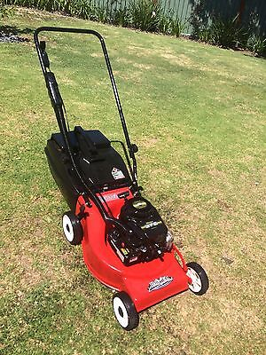 Rover lawn mower 4hp 4 stroke Briggs And Stratton Good blades