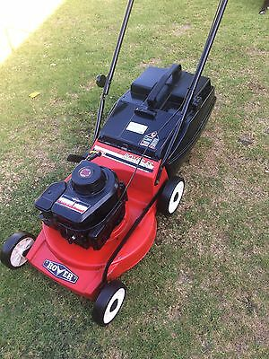 Rover lawn mower Alloy Base 4 stroke Briggs And Stratton Good blades