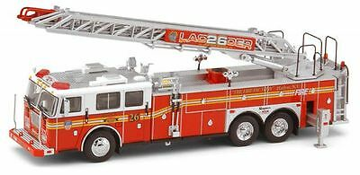 Brand New Code 3 Fdny Seagrave Rear Mount Ladder 26 Diecast Fire Engine