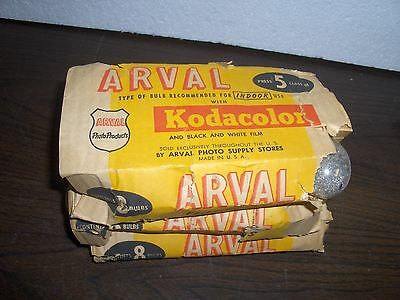 24 Vintage Flashbulbs, Press 5, Class M. Made By Arval For Kodacolor Film