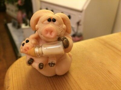 'Piggin' collectable pig figures Rare Piggin Sleepless Nights