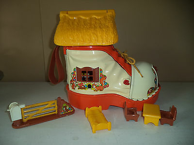 Vintage Matchbox Boot Play House  - 1977