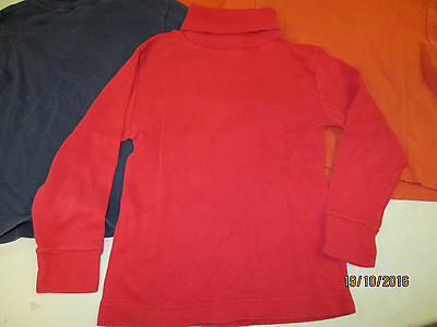 Sous-pull rouge taille 12/18 mois