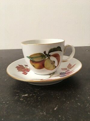 Royal Worcester - Evesham Gold - Tea Cup and 2 Saucers
