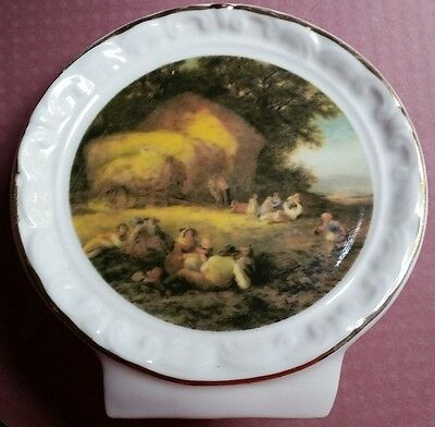 Crown Fine China Self-Standing Mini Decorative Plate