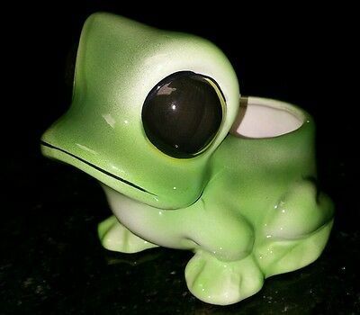 "Vintage Adorable ""Big Eye"" Green Frog Planter Figurine"