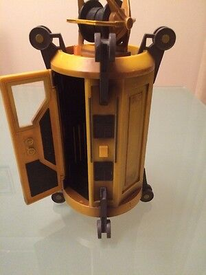 Doctor Dr Who Yellow tardis time travel machine 2004 action figure Peter Capaldi