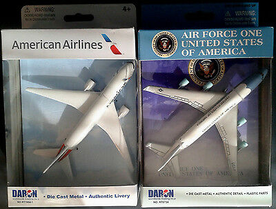 2 Spielzeugflugzeuge Air Force One Boeing 747 + American Airlines B777  B-WARE