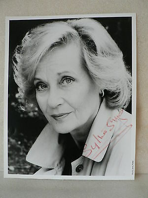 SYLVIA SYMS   English Actress AUTHENTIC AUTOGRAPH SIGNED PHOTO 8  X 10