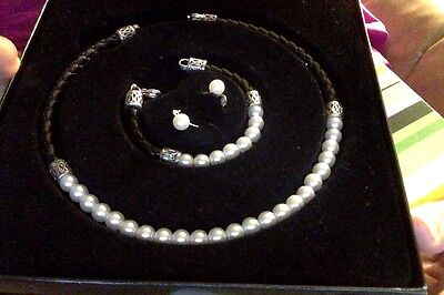 Marshall Field's gift box jewelry  pearl? necklace, bracelet and earrings  NEW!