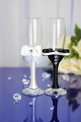 Personased engraved Hand Decorated Mr & Mrs Wedding Champagne Flutes/Set of 2