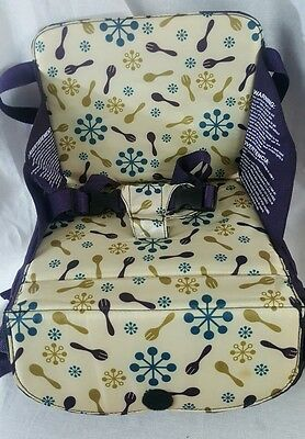 Munchkin Travel Booster Seat, High Chair up to 50lbs, Unisex