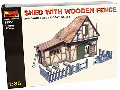 Shed Whit Wooden Fence Diorama Plastic Kit 1:35 Model MINIART