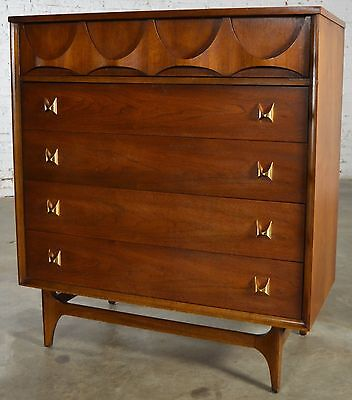 Mid-Century Modern Broyhill Brasilia 6130-40 Chest of Drawers