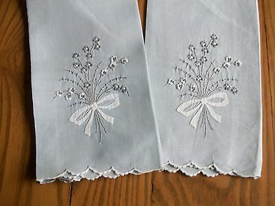 "2 VINTAGE GREY LINEN TEA TOWELS ~ HAND EMBROIDERED ~ FLOWER BOUQUETS ~ 13""x19"""