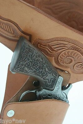 Double Leather Holster with 2 Metal Guns Cap TAN Brand New Holiday 8 Shot 70006