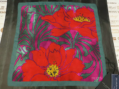TED BAKER Pocket Square TOMTON Silk Hankie FLORAL Green Handkerchief BNWT RP£29