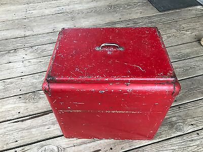 vintage drink cooler...is this an old coca cola cooler?