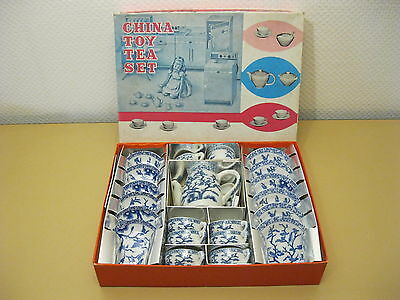 China Toy Tea Set - Kindergeschirr Puppenservice - Porzellan - mit OVP - um 1960