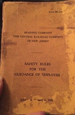1935 vintage READING CENTRAL RAILROAD TRAIN SAFETY RULE BOOK new jersey EMPLOYEE