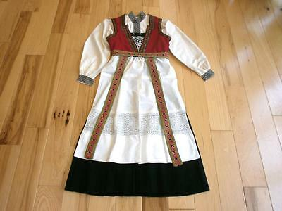 Medium NORWEGIAN HARDANGER BUNAD  FROM NORWAY Exceptional embroidery