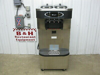 Taylor Crown C723-33 Soft Serve Twin Ice Cream Machine w/ Twist - Low Use
