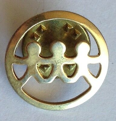 Holding Hands Golden Style Pin Brooch Rare Vintage (H4)