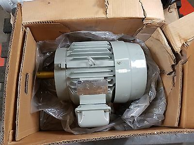 Toshiba 3-phase Induction Motor 3KW 6-pole 1K FBKW 415V 50Hz 6.9A 950rpm D132S
