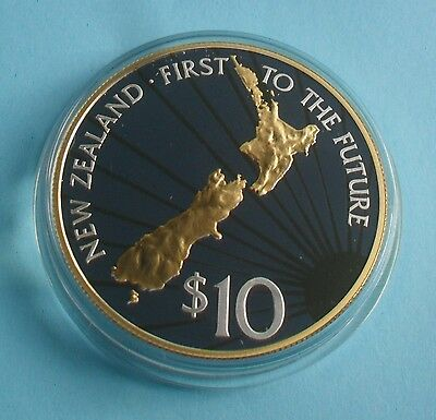 2000 NEW ZEALAND $10 MILLENNIUM SILVER PROOF COIN (1st TO THE FUTURE)