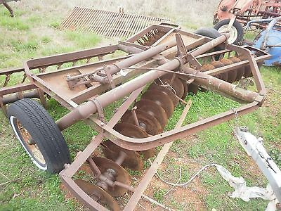 John Deere 12 ft disc