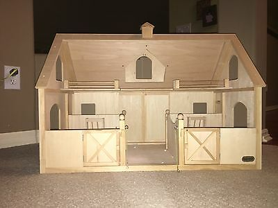 Breyer traditional size Deluxe barn