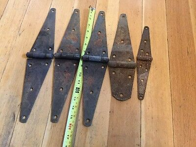 Four Vintage 16 And One Ribbed 10 Strap Hinges Rustic Steampunk