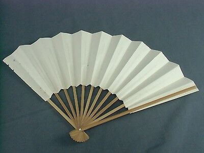 SU4 Japanese Folding Fan Hand Made Bamboo Paper 10.5in White Kimono Vtg Sensu